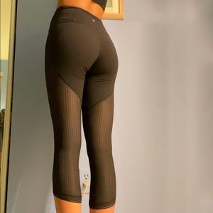 lululemon mesh back leggings